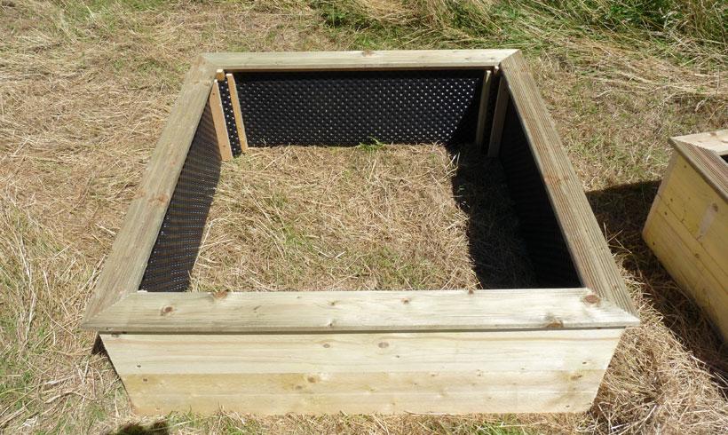 Comment fabriquer un carré de potager durable avec une protection interne