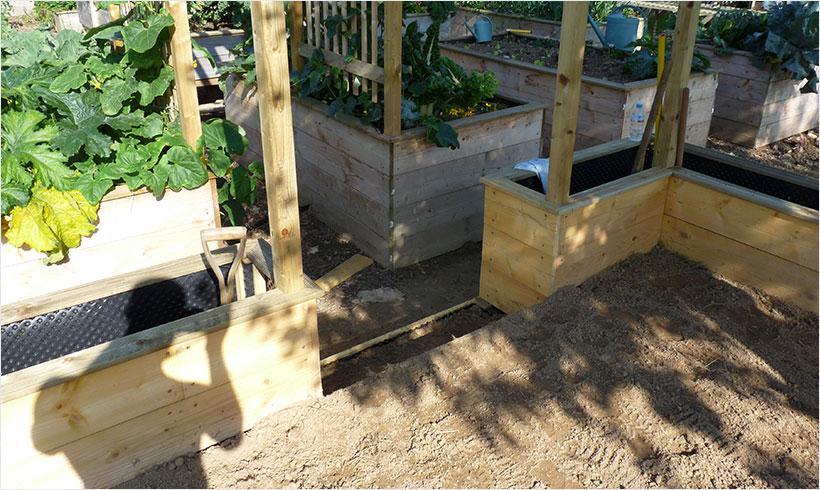 installer une cloture autour du potager 3 mon potager en carr s. Black Bedroom Furniture Sets. Home Design Ideas