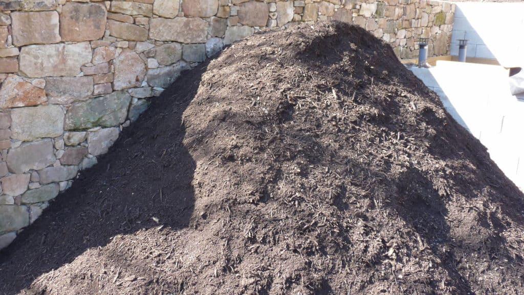 Stocker le compost pour qu'il murisse